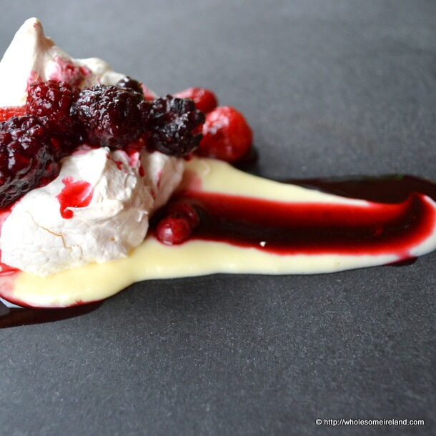 Warm Meringue with Custard and Berries Side
